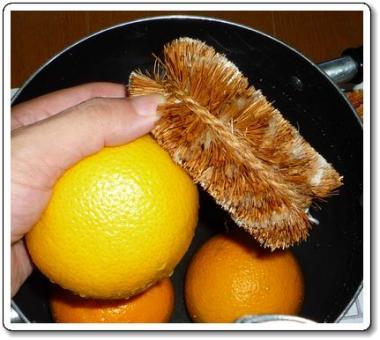 オレンジ洗う