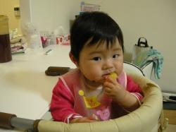 0606オレンジ食べる深琴