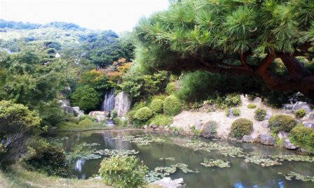 毛利庭園 滝