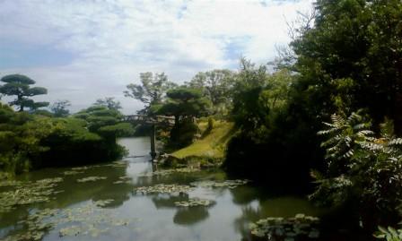 毛利庭園 池