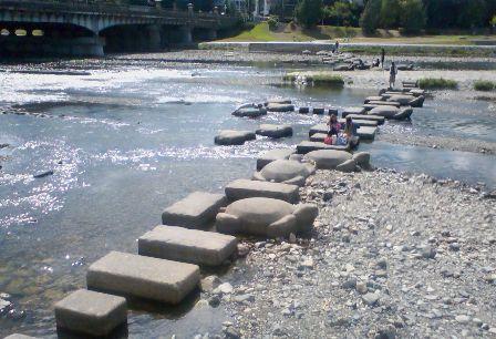 鴨川 飛び石