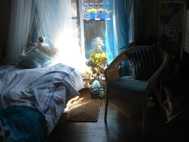 エマニエル夫人の籐椅子のある部屋