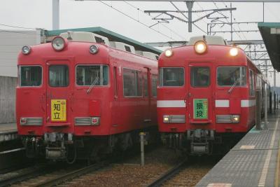 左は7715F、右は7711F