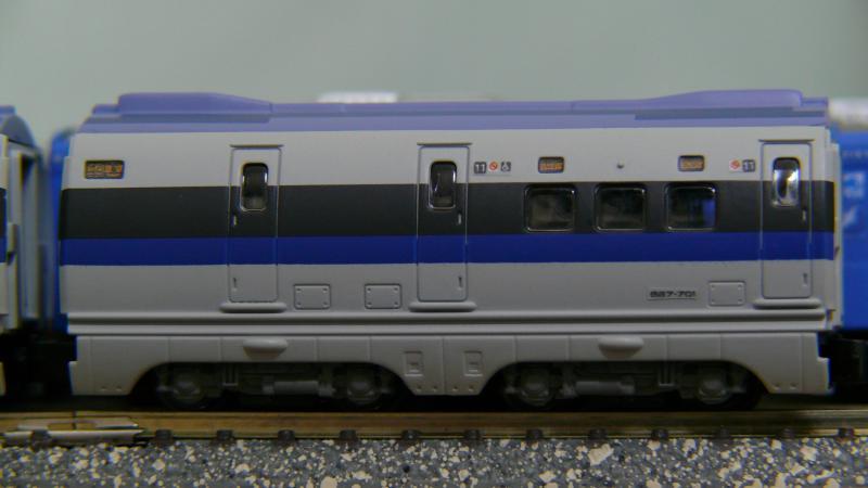 11号車(完成形-側面)