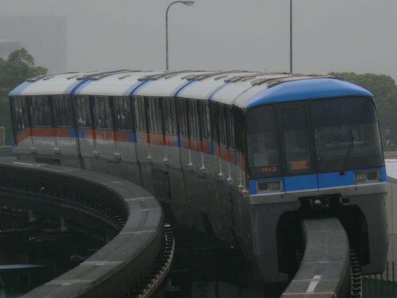 東京モノレール 1000形(昭和島駅にて)