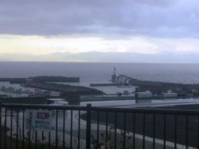 漁港もどんより空もよう