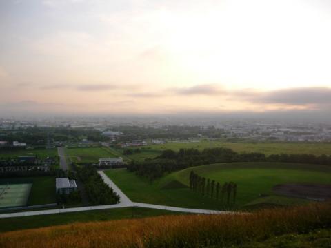 札幌ドームがとおーーーくに!
