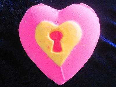 Love Locket (ラブロケット)
