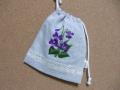 刺繍入巾着(紫の花)