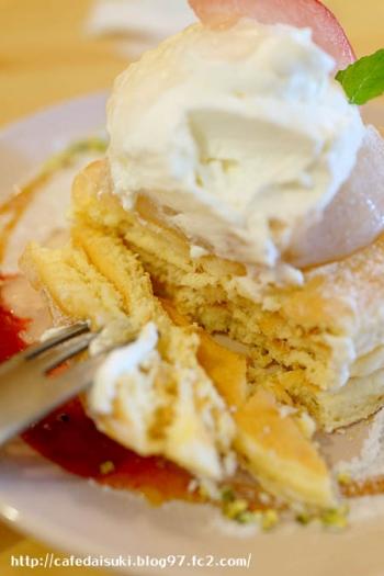 森のvoivoi◇平井農園の完熟桃のパンケーキ