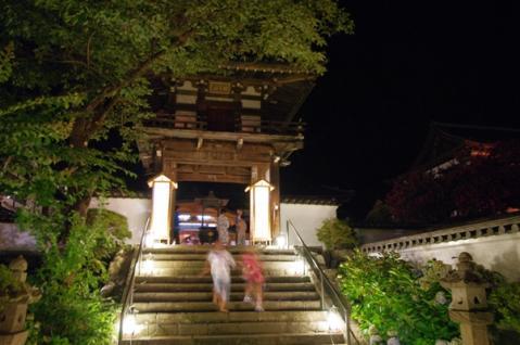 温泉寺山門
