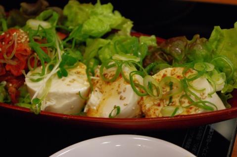 ピリカラ豆腐サラダ