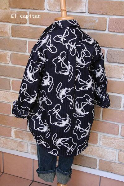 イカリのチャラシャツ