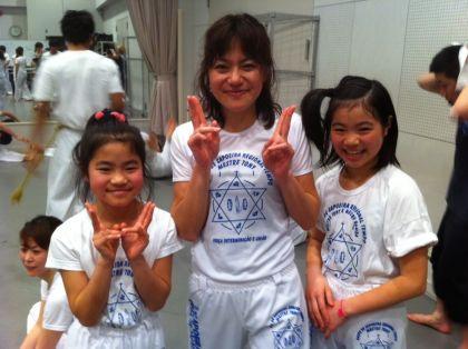 (右から)米川さん、米川さん、米川さん