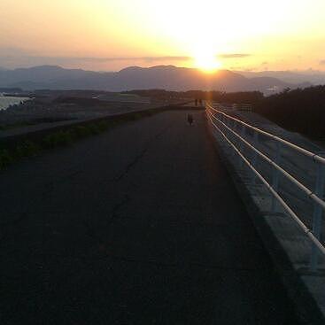 キャッチと夕日20130409