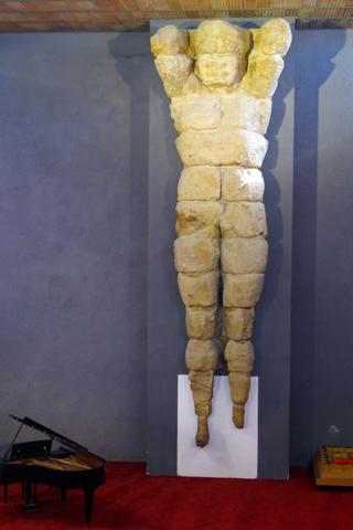 アグリジェント考古学博物館07巨大人型柱