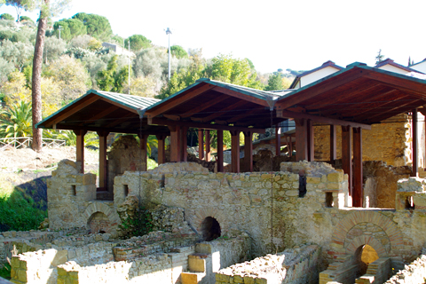 入口付近の遺構inカザーレのローマ離宮