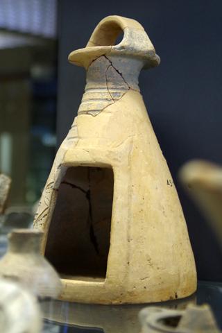考古学博物館03猫櫓じゃなく儀式で使用する小屋?inシラクーサ