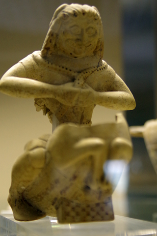 考古学博物館08超珍しい天馬に乗ったゴルゴン像inシラクーサ