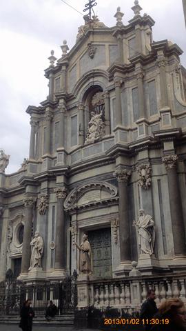 ドゥオーモ広場の大聖堂?inカターニア