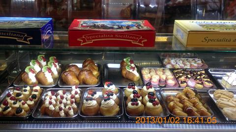 ドゥオーモ広場のお菓子屋さんinカターニア