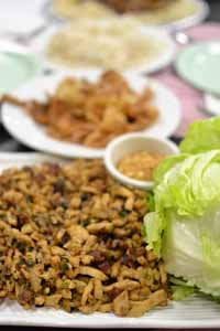 Cooking_Esnic_AppetizerChickenLettuceCup