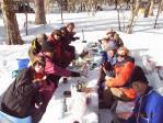 13 雪のテーブルで宴会2