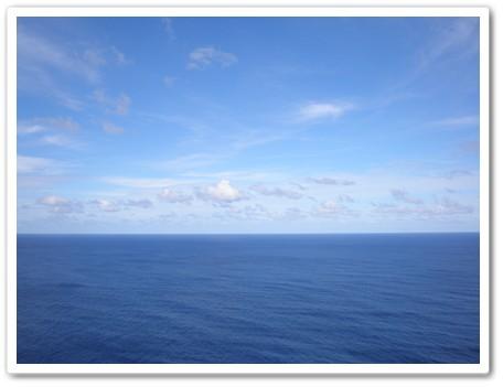 青い海 地平線