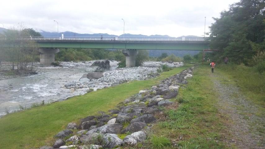 白馬の川沿い