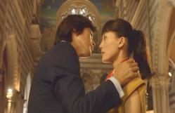 ローマの教会でホタルにキスしようとするぶちょお