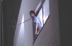 窓から戸田が身を乗り出していた