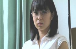 男子生徒・戸田を見ているケイコ