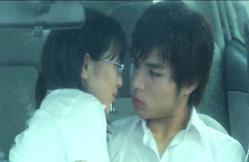 戸田にキスしようとしているケイコ
