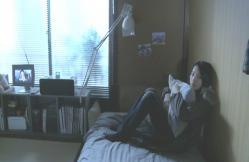 一夜明けてテレビをボーっと見ている由佳