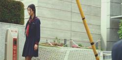 街で女子高生の服で僕とすれ違う香奈