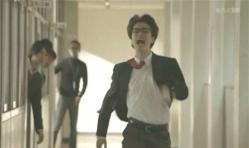 いきなり大声を出して教室を飛び出して行く鴨川嘉郎