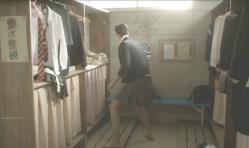 紗英のスカートを穿いた榎本