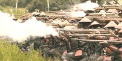 発砲する長束の鉄砲隊
