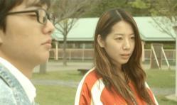 カップルの心の声を聞いている美由紀と嘉郎