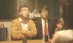 父と一緒に舌を出している嘉郎