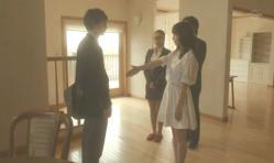 嘉郎の別れの握手をしようとする紗英
