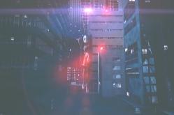 スパイダーマンのようにビルを飛び回る変態仮面