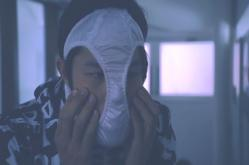 マスクと思ってパンティーを被る狂介