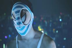 盗んだパンティー被って夜の街にいる変態仮面