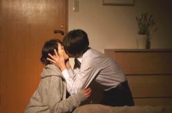 美波にキスして