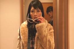 浩介の部屋に入ってきた吉田亜希