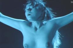 全裸にしてビデオに撮られている