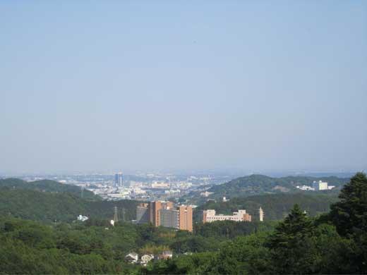 20110508薬師寺-七沢温泉への林道途中の展望台