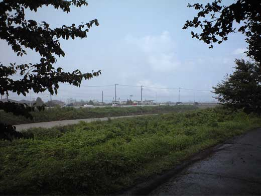 20110904アッチは晴れてそうなのに此処は雨・・・
