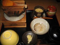 おみそ汁は、赤・白・合わせから選べます(^^)